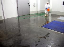 Недорогие бетонные полы с топпингом